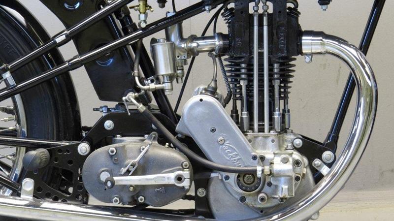 Винтажный гоночный мотоцикл Cotton-Blackburne 1935