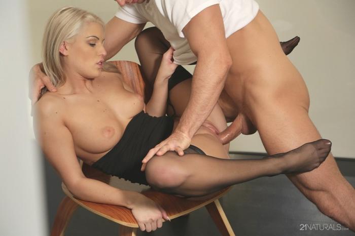 Ножки секс чулки видео